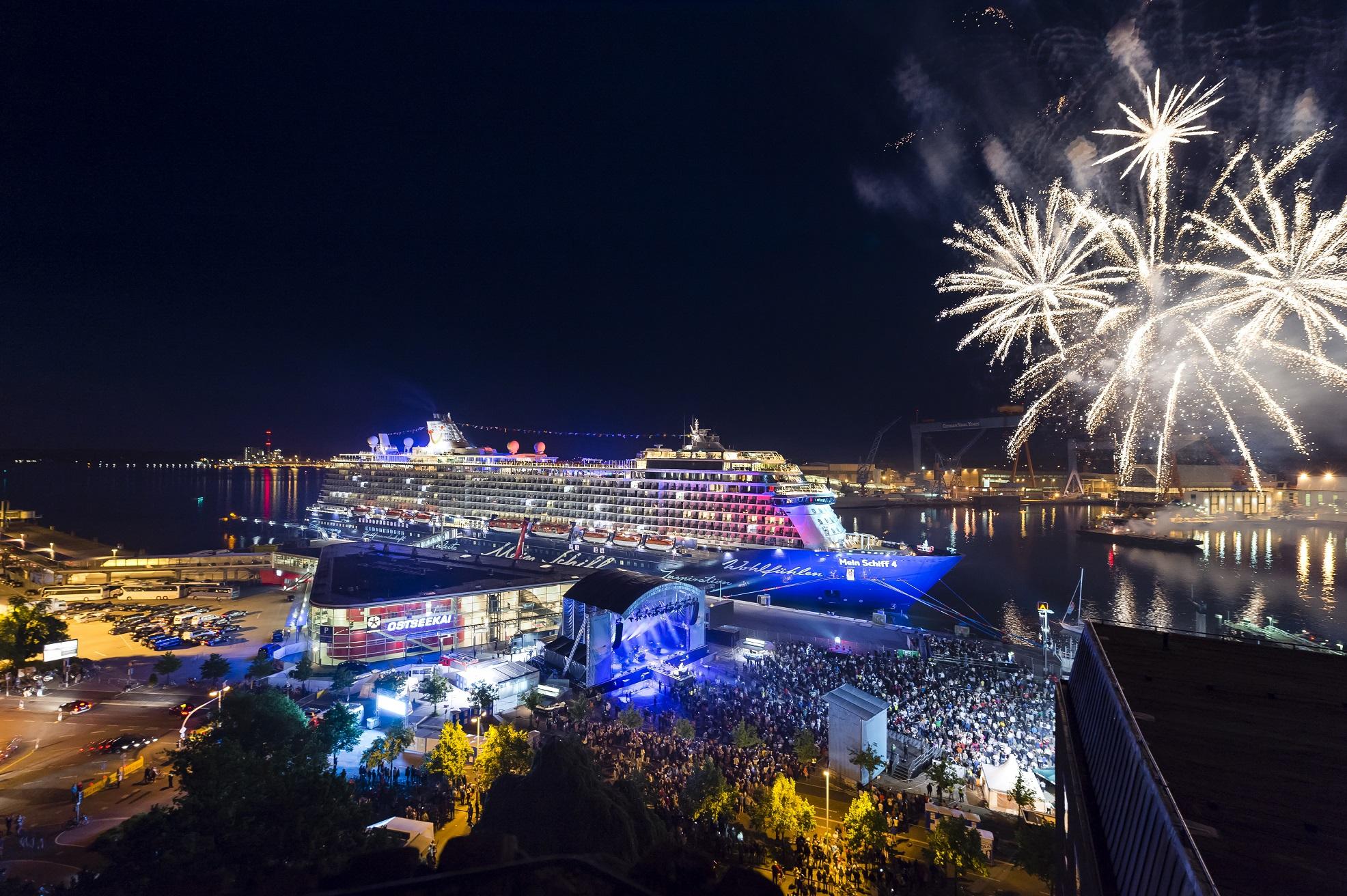 TUI Cruises Taufe Mein Schiff 4