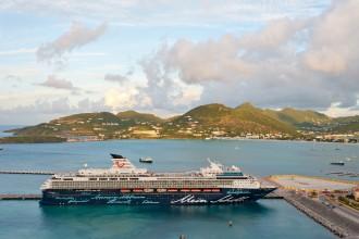 Mein Schiff 1 vor Titelbild St. Maarten