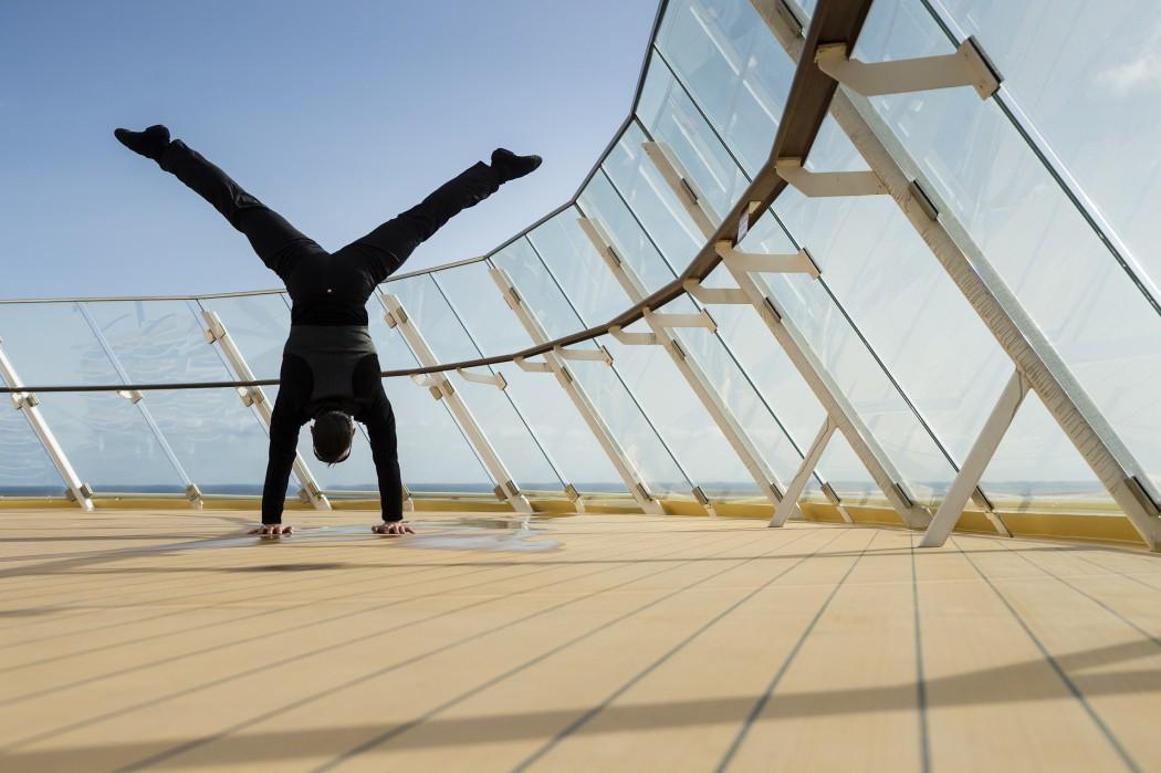 Handstand auf dem Sonnendeck: GOP Artist auf der Mein Schiff 3