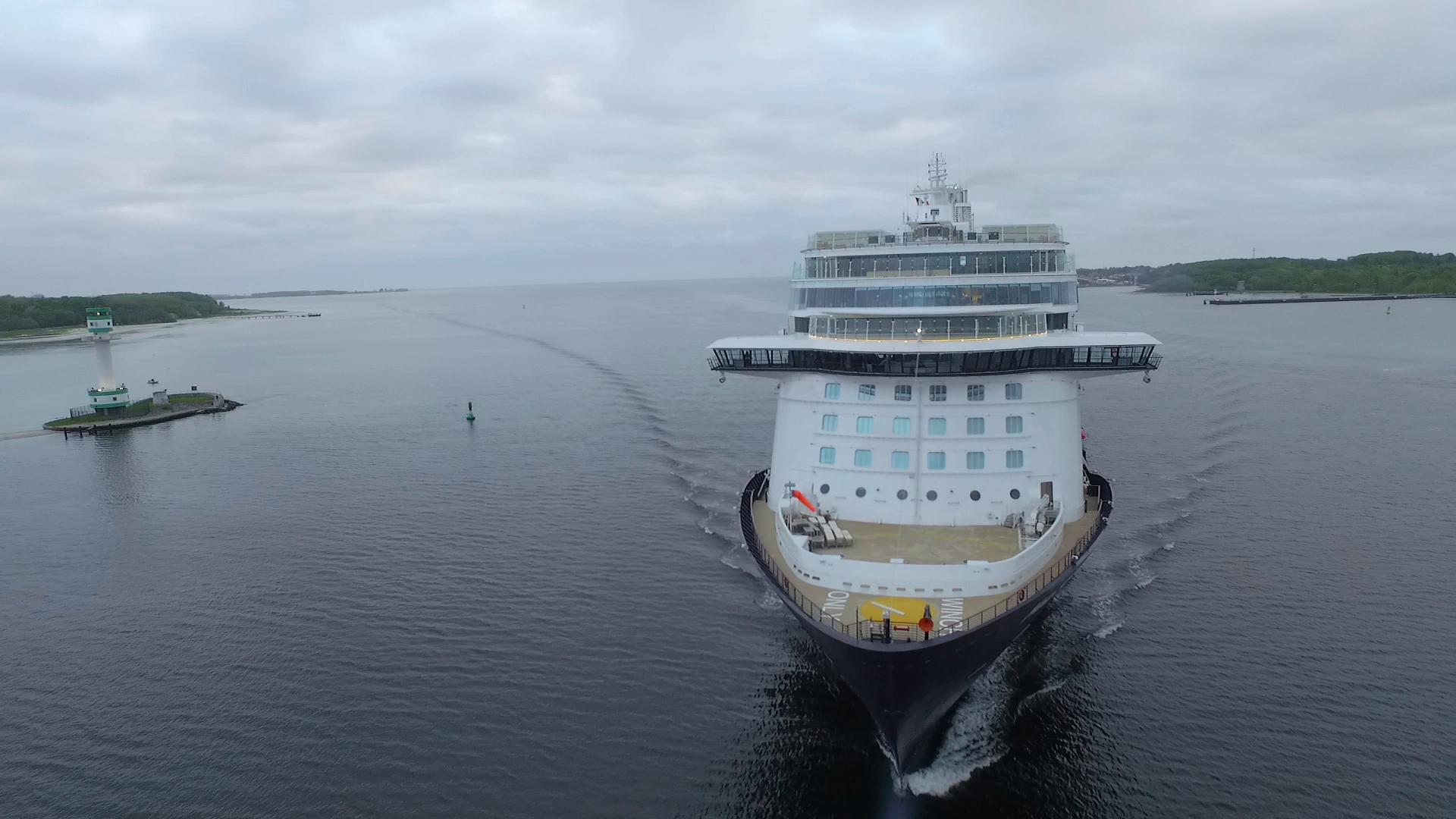 Vorne am Bug des Schiffes befindet sich das Außendeck für die Crew