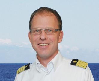 MeinSchiff Kapitän Jonas Lyddby