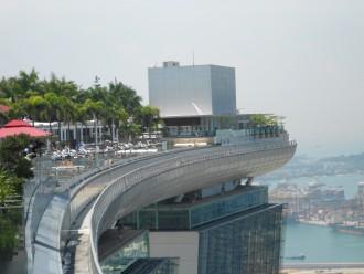 Ein Pool der Extraklasse auf dem Marina Bay Sands Hotel