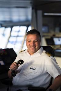 Bei der Borddurchsage: Mein Schiff Kapitän Dimitris Papatsatsis