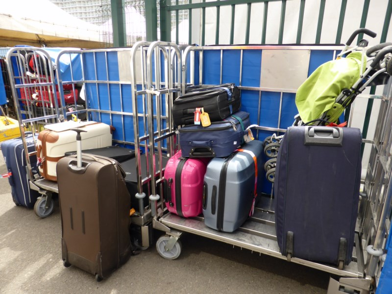 Der Koffer wird dem richtigen Deck zugeordnet