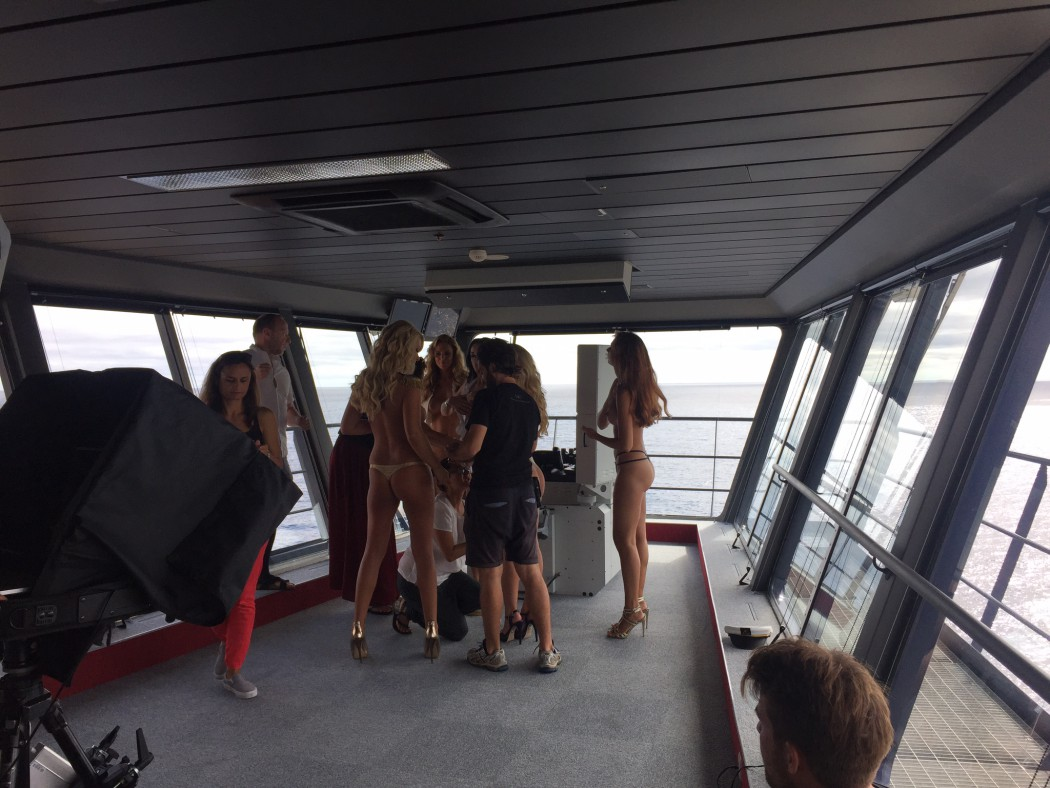 Playboy Shooting auf der Brücke der Mein Schiff 4 (3)