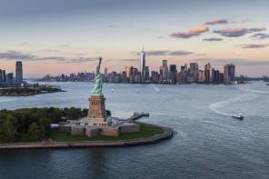 Highlight der Nordamerika Kreuzfahrten von TUI Cruises: New York City mit der Freiheitsstatue