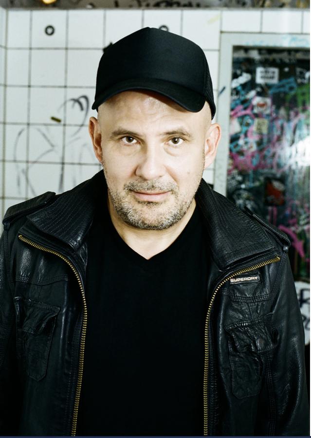An den Turntables der Mein Schiff 2: Kult-DJ WestBam (c) Andrea Stappert