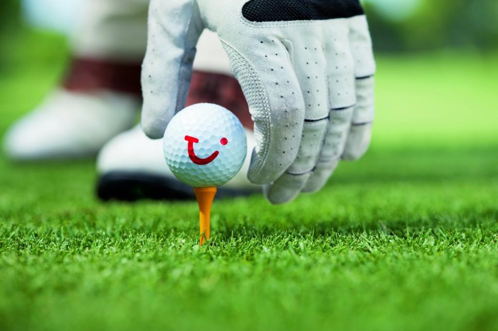Golf spielen mit Meerblick bei den Golfausflügen auf Mein Schiff Reisen