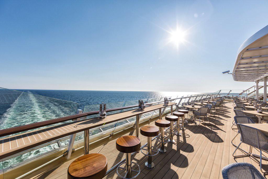 Perfekter Meerblick für den Drink an Bord der Mein Schiff Flotte