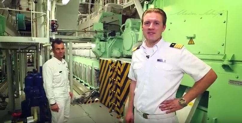 Mein Schiff Staff Kapitän Simon Böttger und Chief Engineer Margaritis Karystinos