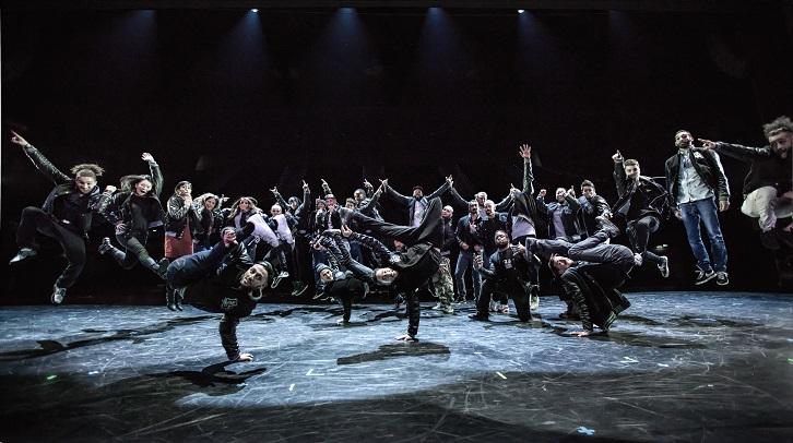 Breakdance-Weltmeister Flying Steps treten im neuen Mein Schiff Studio auf