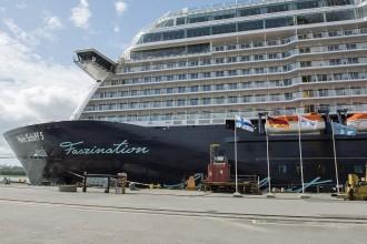 Die Mein Schiff 5 von TUI Cruises macht sich abfahrbereit