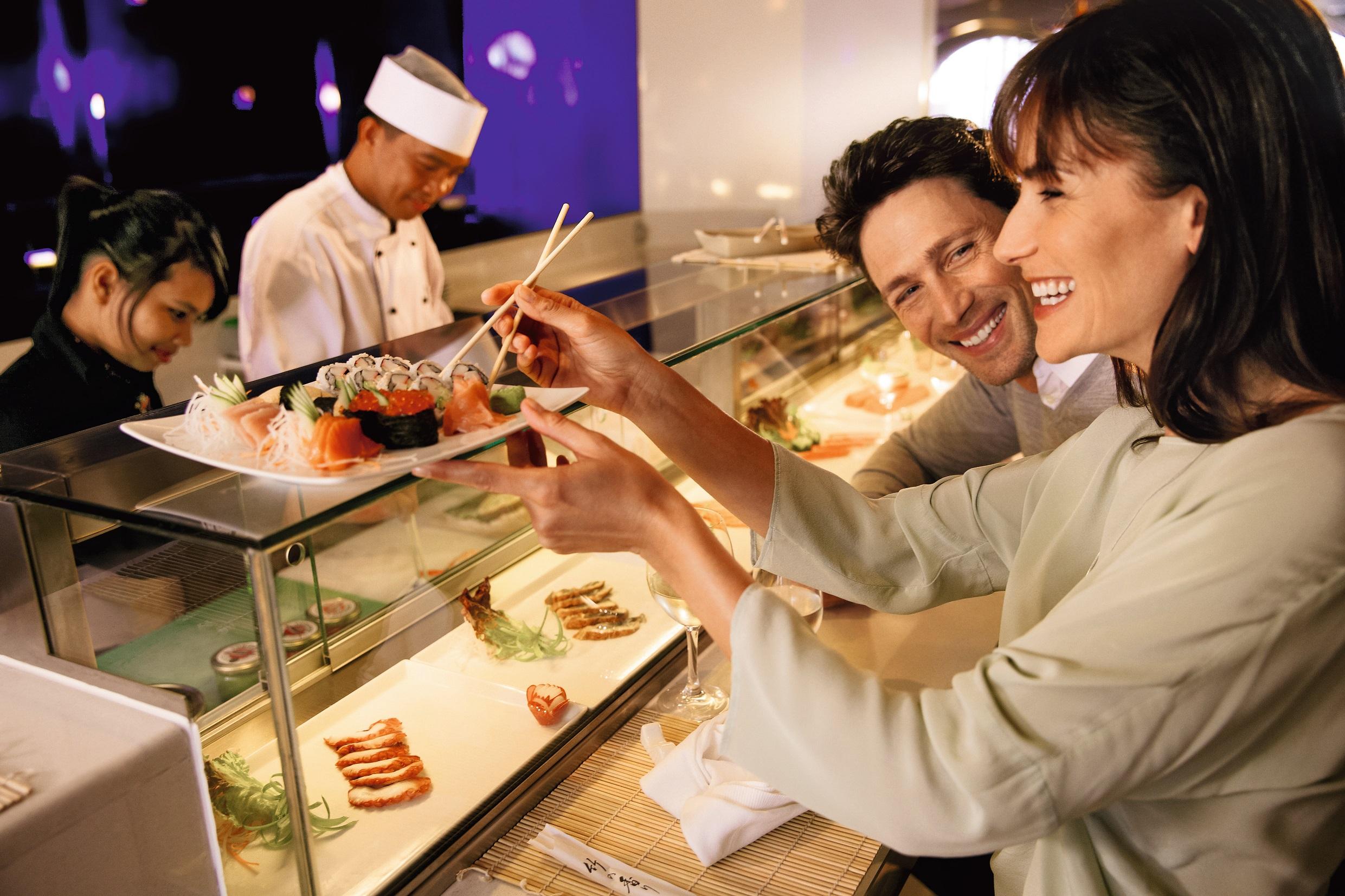 Die Blaue Welt Bar -Sushi auf der Mein Schiff 2