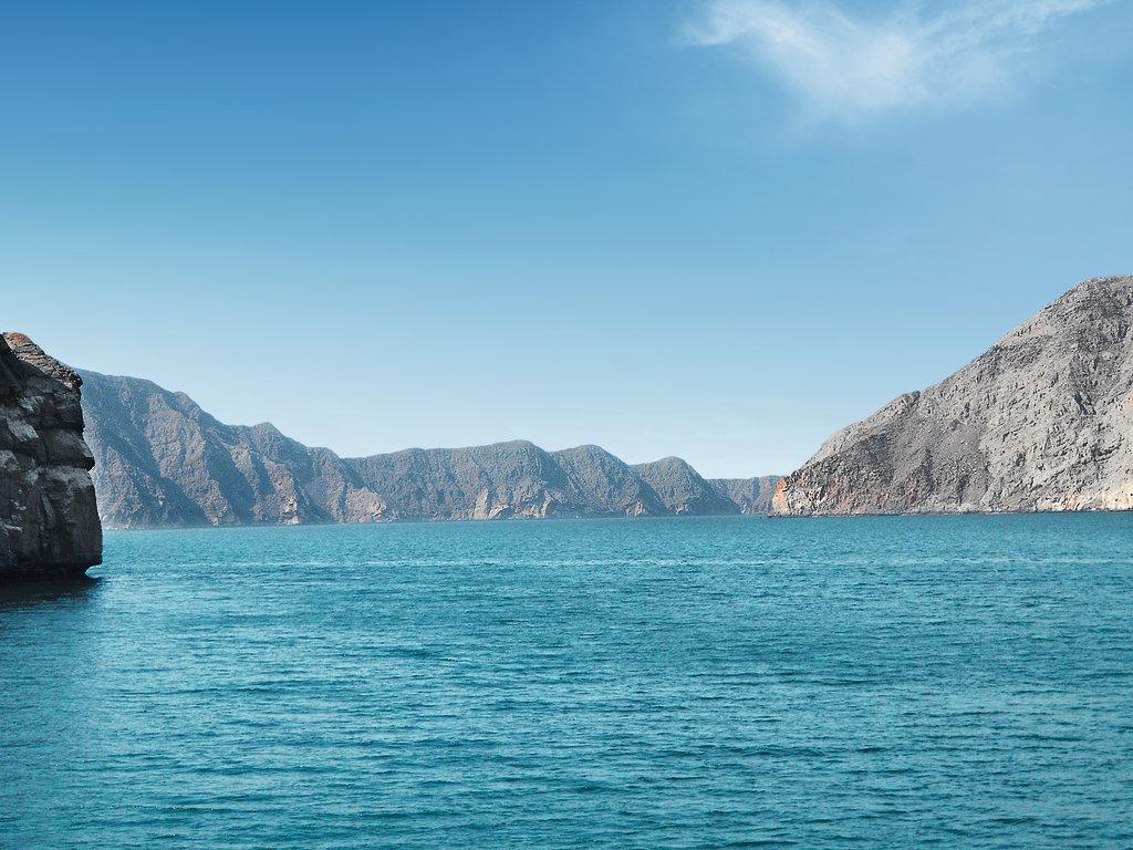 Mein Schiff Destination: Fjordlandschaft bei Khasab im Oman
