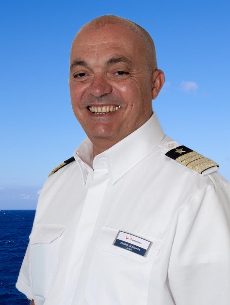 Mein Schiff Kapitän Yiannis Tsounakos