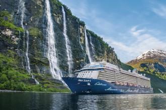 Nordland pur: Die Mein Schiff 4 im Geirangerfjord in Norwegen