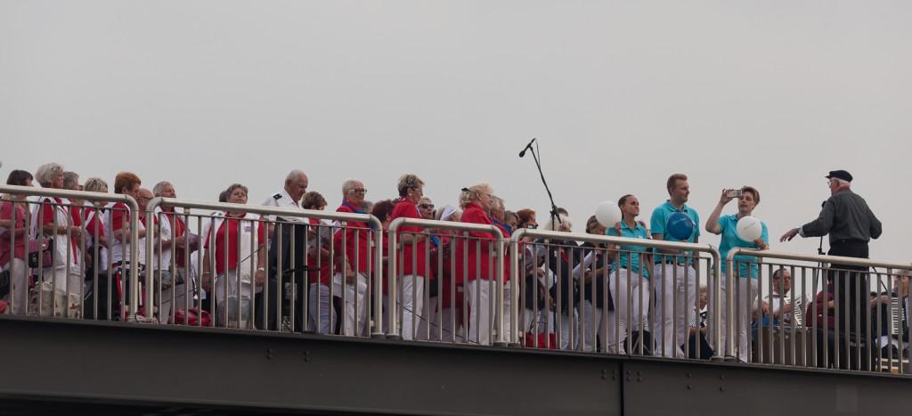Ein Shanty Chor verabschiedet die Mein Schiff 5
