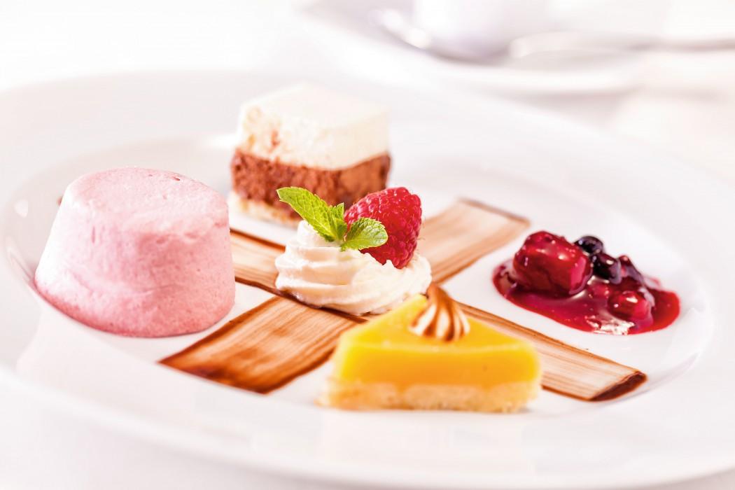 Im Atlantik - Klassik werden vielfältige Desserts angeboten.