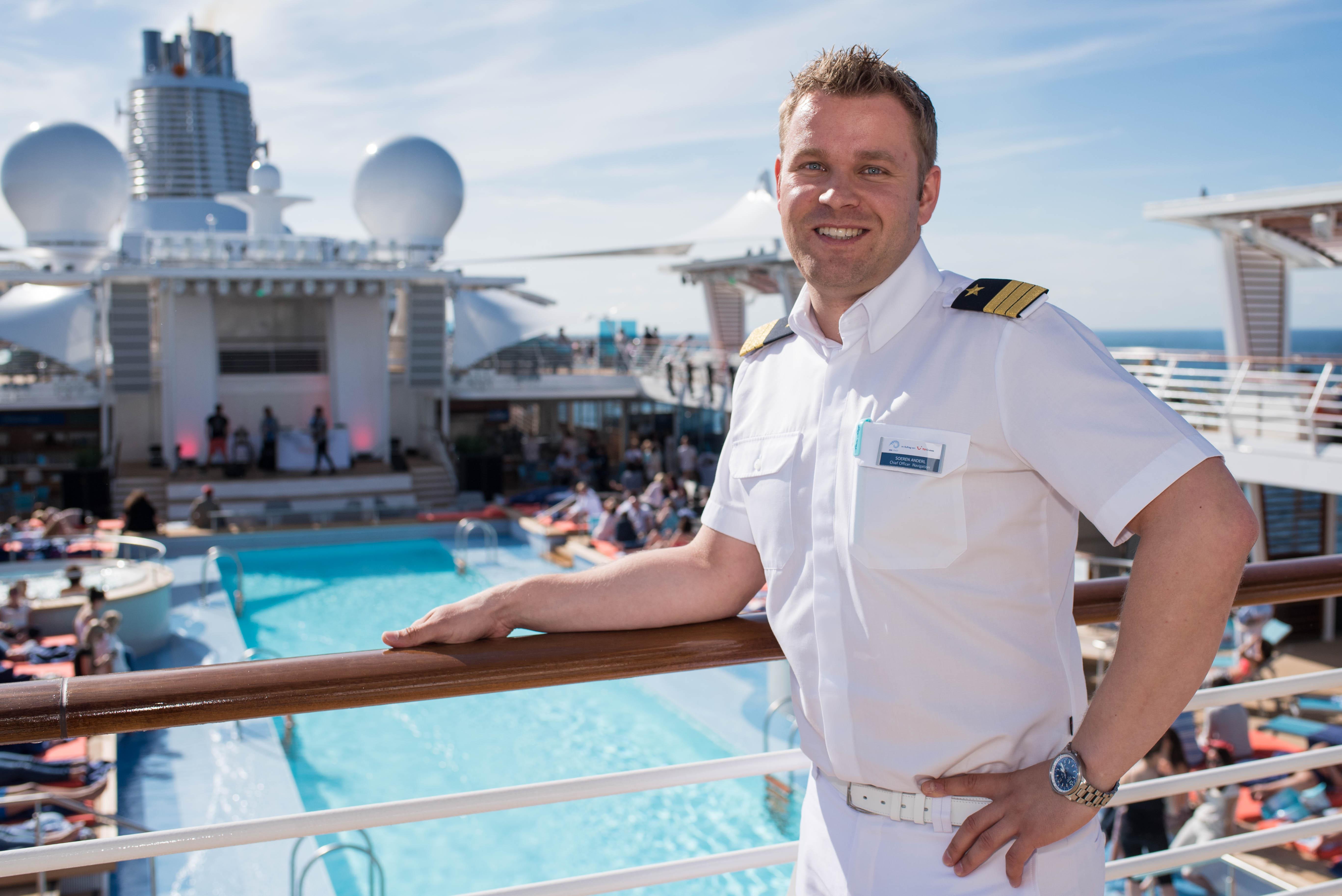 Mein Schiff Chief Navigation Officer Sören Anderl