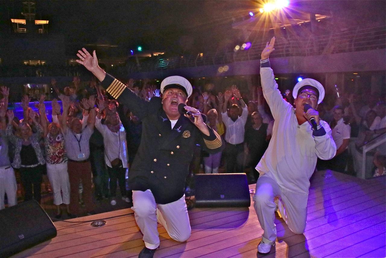 Auf dem Mein Schiff Pooldeck: Klaus & Klaus