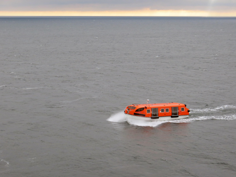 Ein Tenderboot der Mein Schiff 5