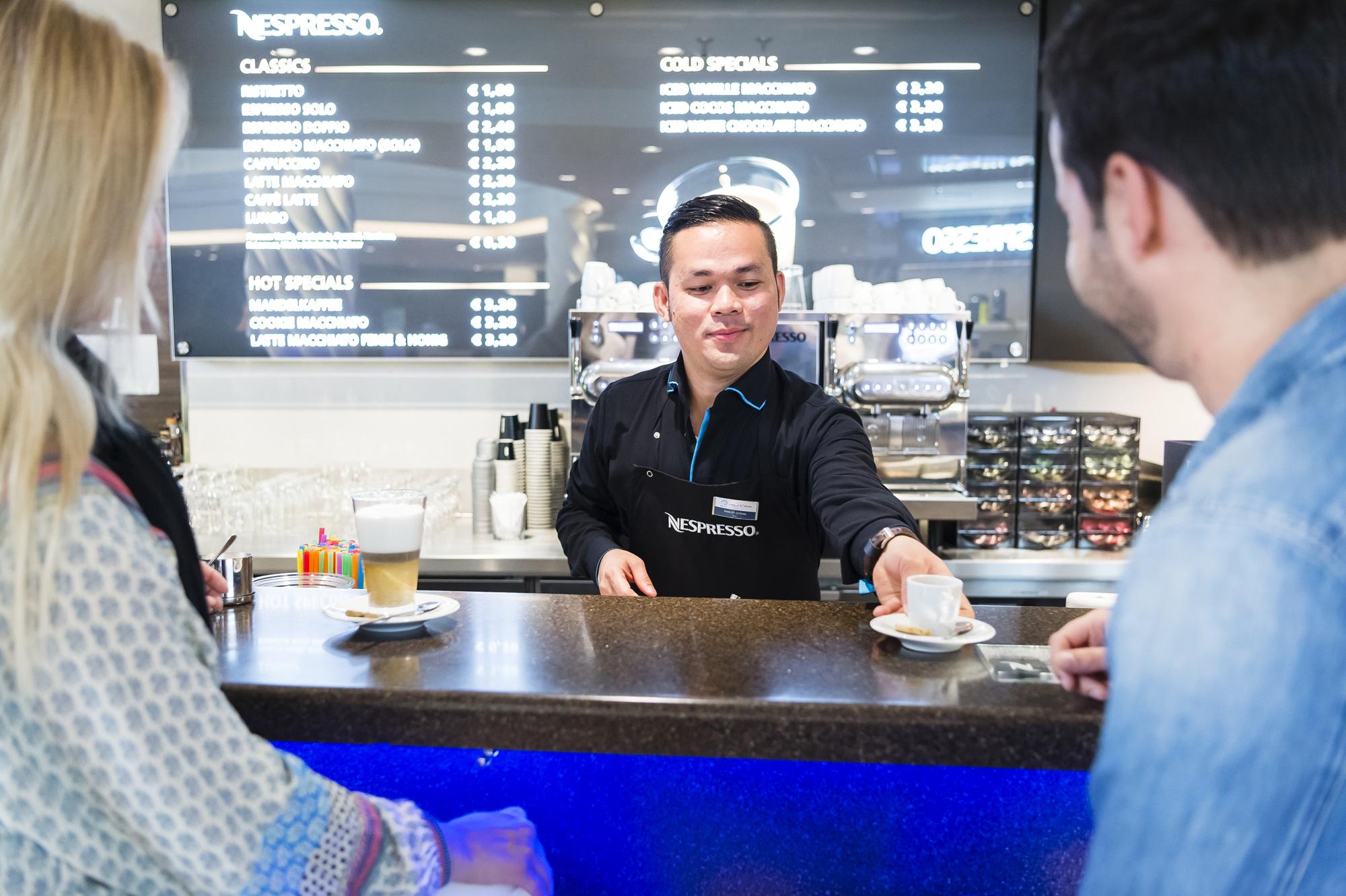 Die Nespresso Bar auf der Mein Schiff 5