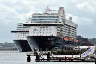 Flottentreffen der Mein Schiff 4 und Mein Schiff 5 in KIel
