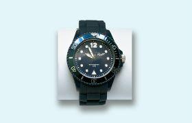 Die Mein Schiff Uhr in dunkelblau