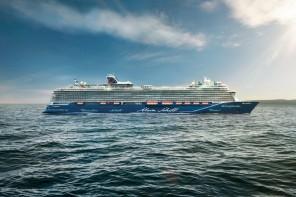 Schiffstaufe: Die neue Nummer 1 von TUI Cruises gibt Hamburg die Ehre