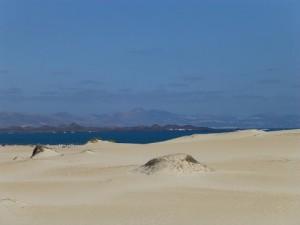 Dünen von Corralejo mit Blick nach Lanzarote