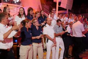 Beim Auftritt: Der Shanty Chor der Mein Schiff 4