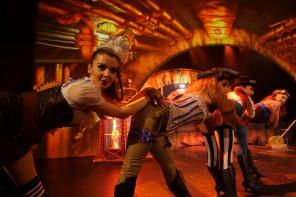 Sexy Tanzeinlagen bei der Wellenreiter Show