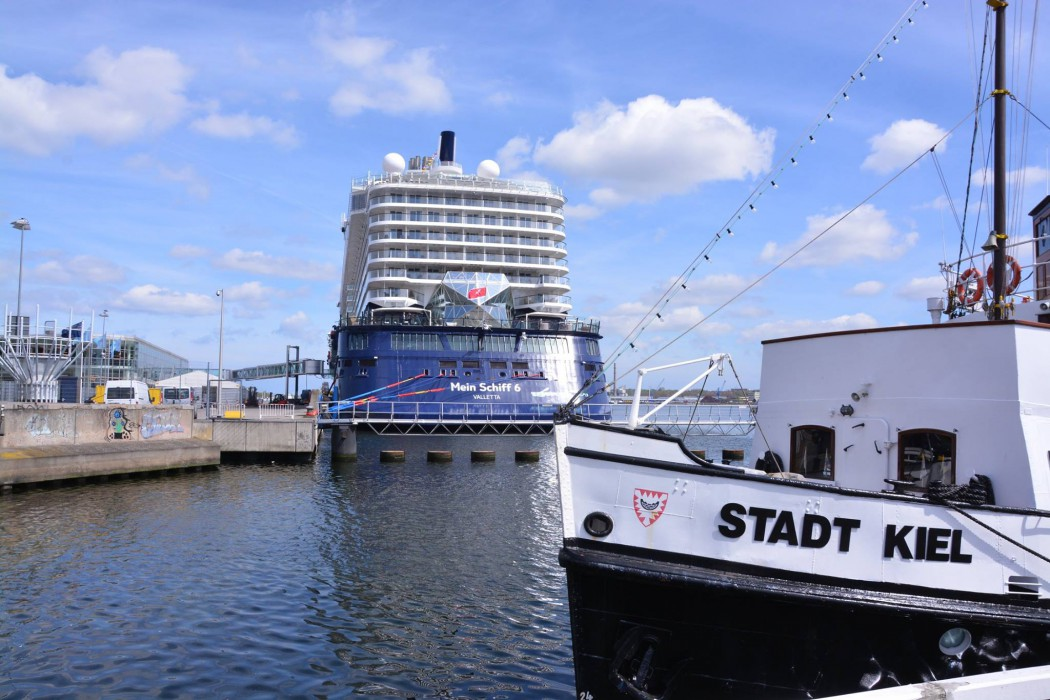 Die Mein Schiff 6 erstmals in Kiel