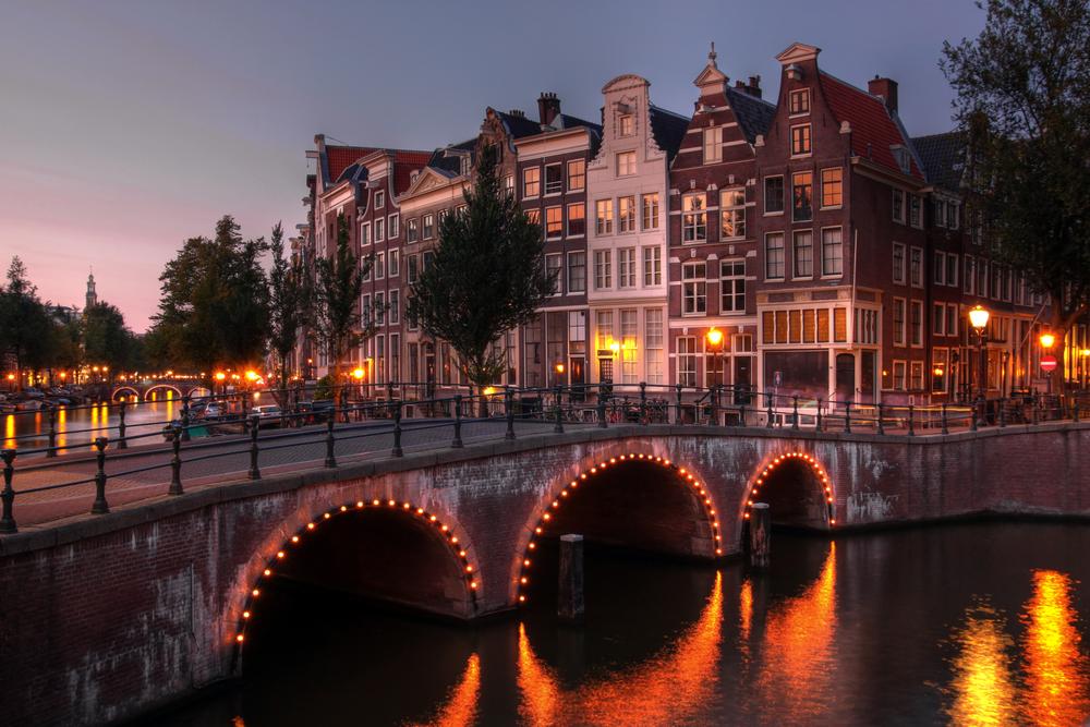 Abendlicher Spaziergang in Amsterdam