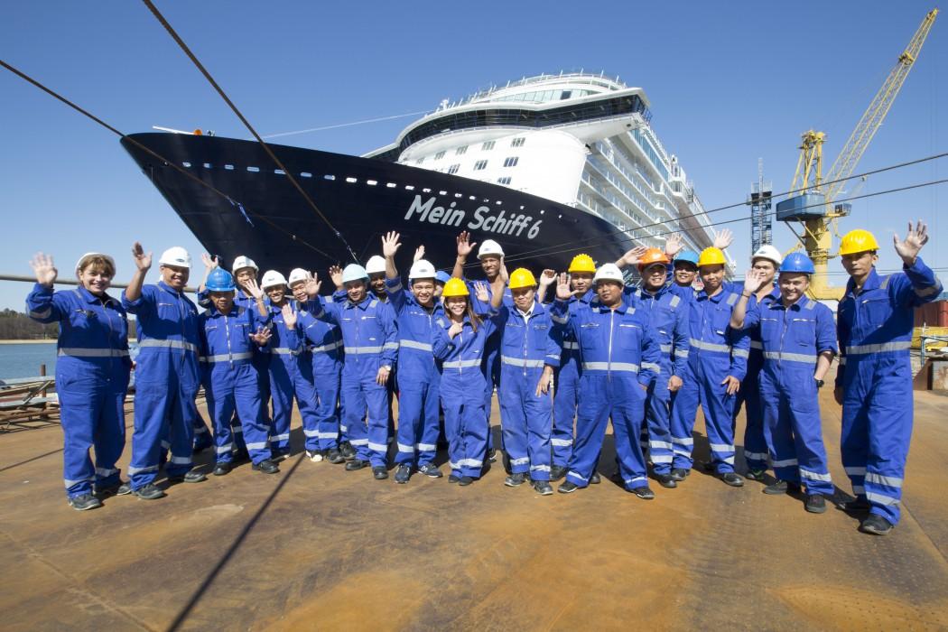 Crew Mein Schiff 6