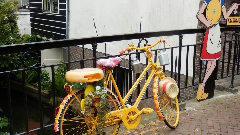Typisch Niederländisch: Fahrrad in Edam