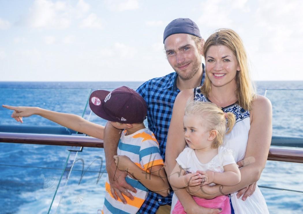 Nina Bott mit Familie an Bord der Mein Schiff 4