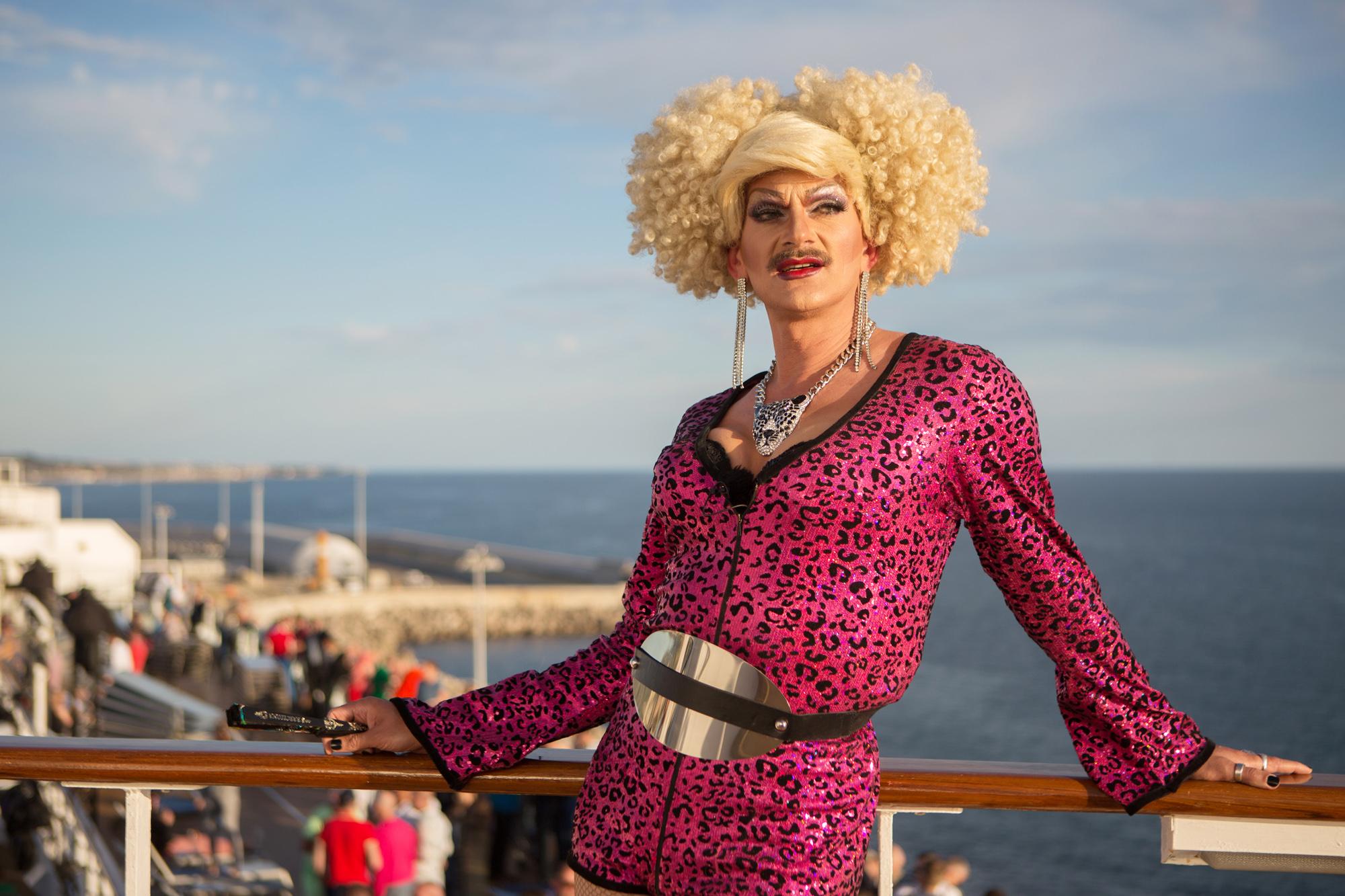 Rainbow Cruise Schirmherrin Gloria Viagra