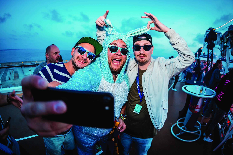 Selfie mit Robin Schulz auf der World Club Cruise