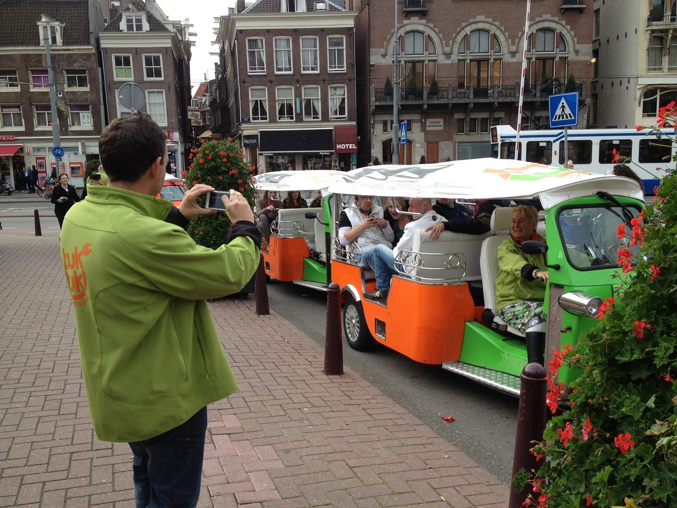 Mein Schiff Ausflug: Stadtrundfahrt im Tuk-Tuk in Amsterdam