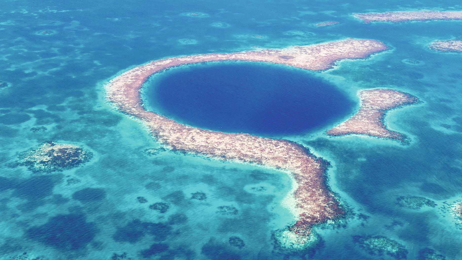 Flug über das Blue Hole - in Belize
