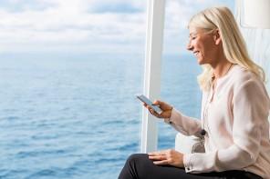 TUI Cruises erweitert Internet-Angebot und führt Social Media Tarif ein