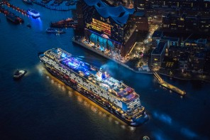 Highlight-Video der Taufe: Elbphilharmonie tauft Mein Schiff 6