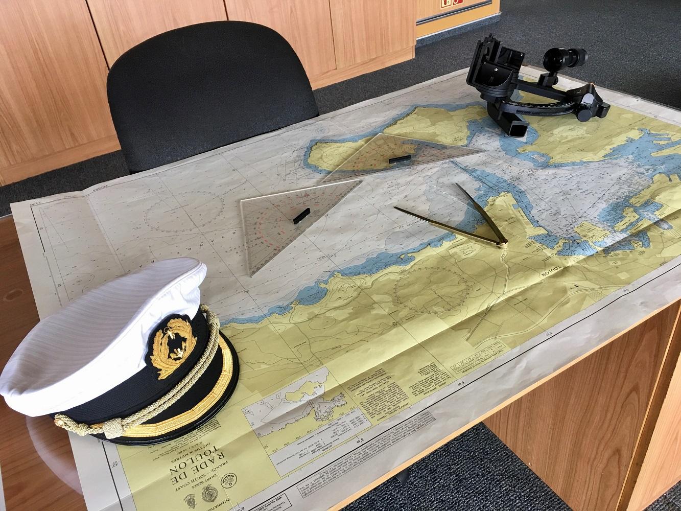 Der Arbeitsplatz von Mein Schiff Kapitän Omar Caruana