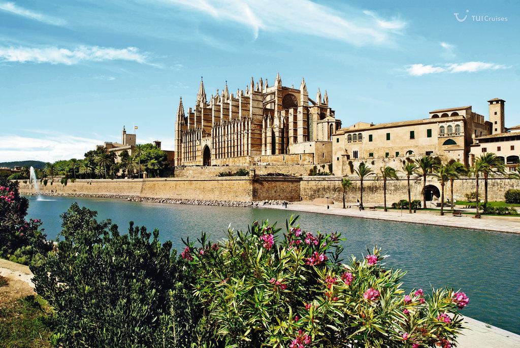 Mein Schiff Sehenswürdigkeit: Kathedrale von Palma de Mallorca auf Mallorca