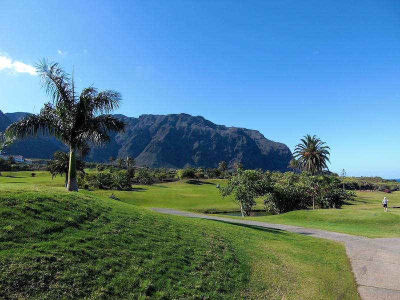 Der BuenaVista Golfplatz in der Isla Baja, dem Tiefland im äußeren Nordwesten Teneriffas.