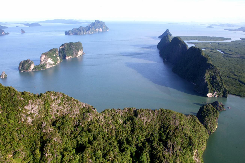 Nicht nur für Filmfans ein Muss: die Phang-Nga-Bucht
