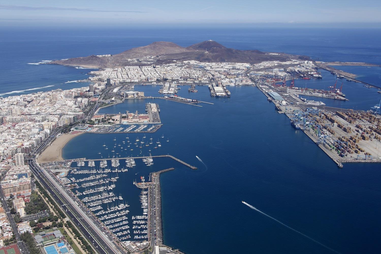 Inselhauptstadt Las Palmas und Hafen