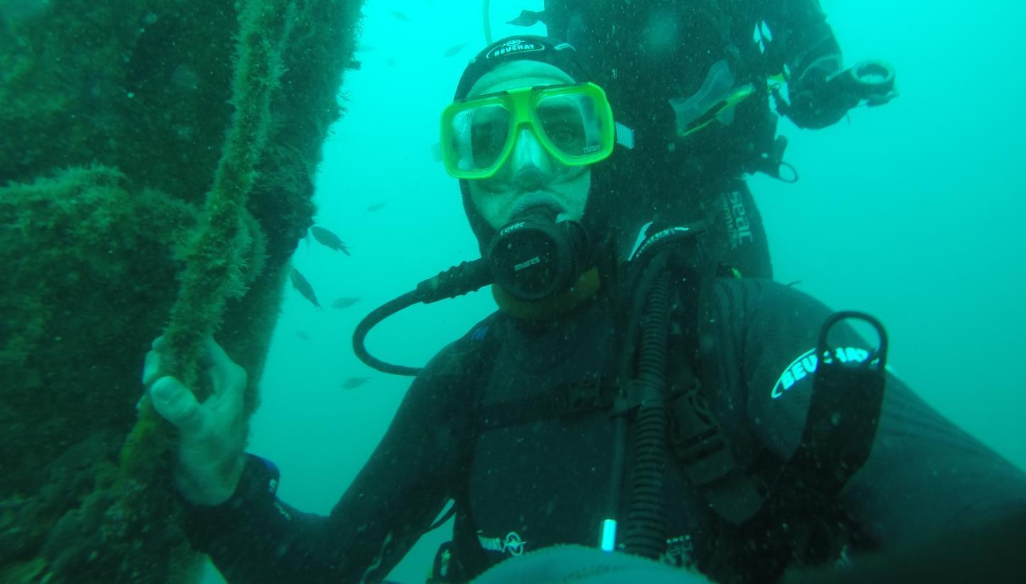 Mein Schiff Blog Autor Torben Eisenschmidt beim Wracktauchen