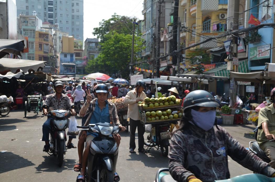 Saigon Hautnah: Mit der Vespa durch die Stadt